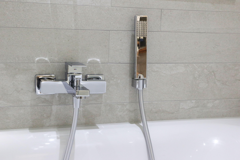 Badezimmer fliesen natursteinoptik  Stonemix in einer leichten Natursteinoptik http://www.franke ...