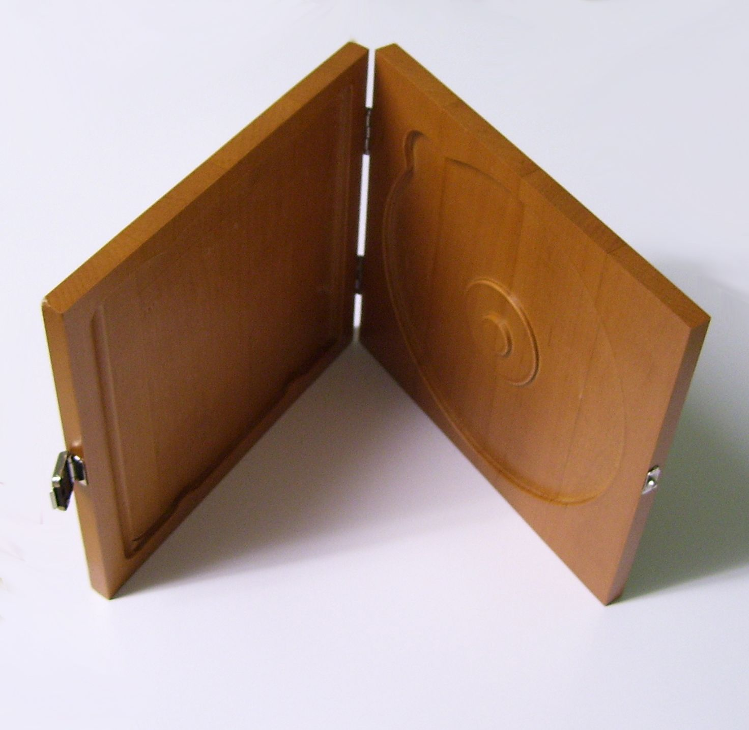 Wooden Cd Dvd Case Dischromatics Green Products