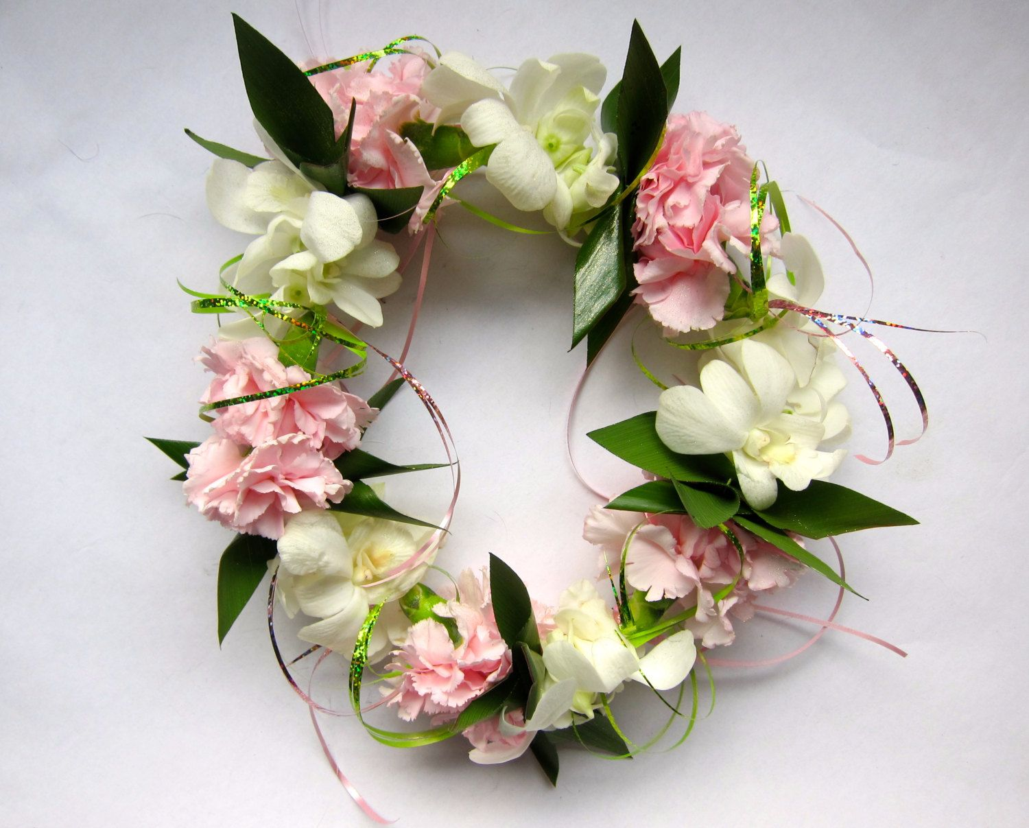 For The Bride To Wear Ding Hawaiian Haku Head Lei But Lavender