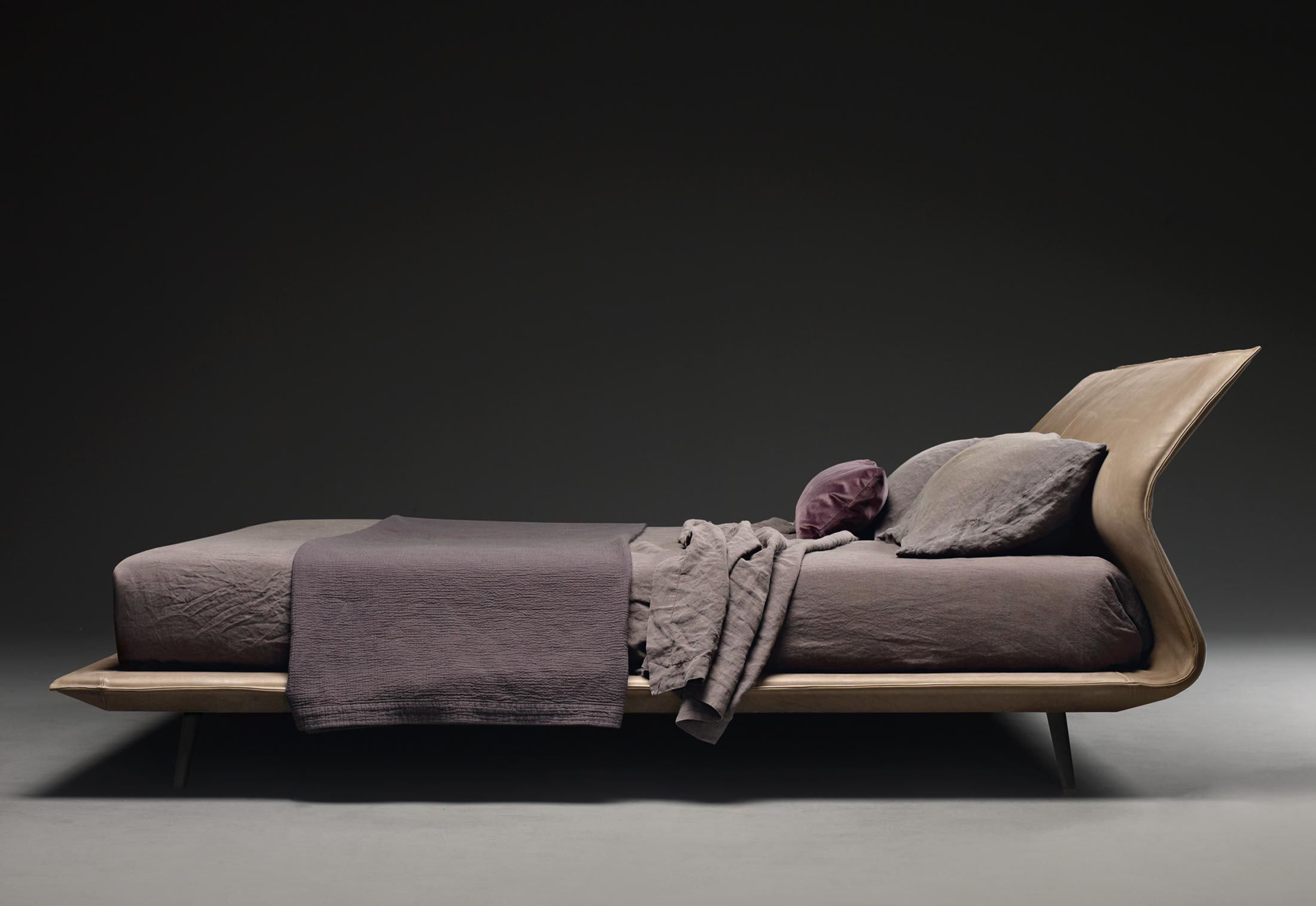 Night u Day bed Patricia Urquiola for Molteni u C Love that bed