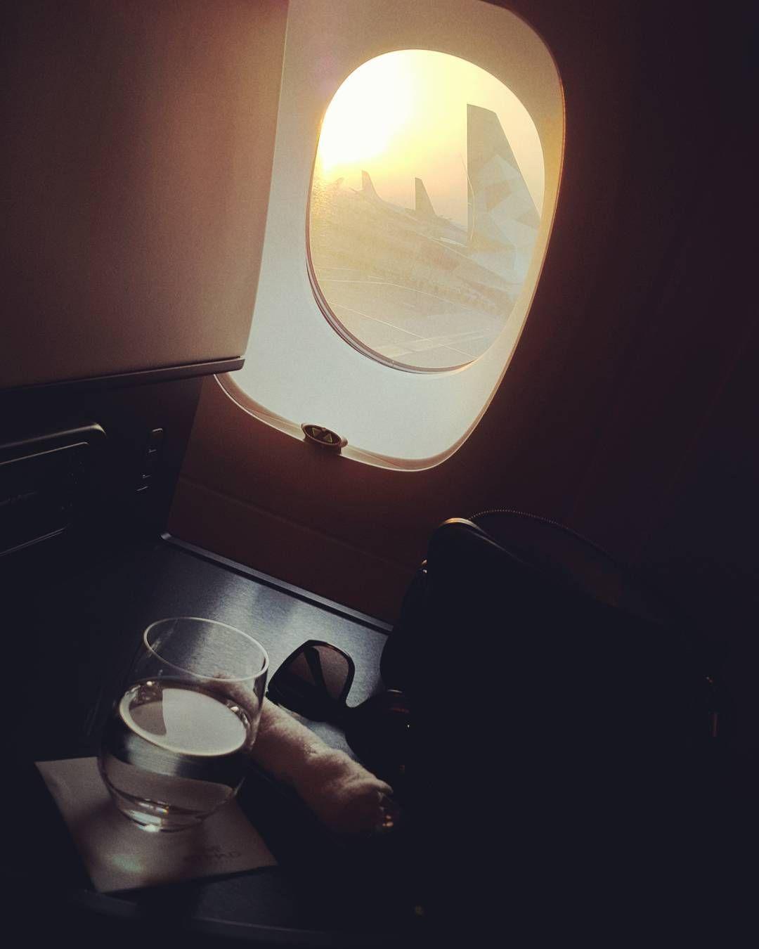 Najwa Albreiki On Instagram To London س ب حان ال ذ ي س خ ر ل ن ا ه ذ ا و م ا ك ن ا ل ه م ق ر ن ين و إ Wall Lights Instagram Posts Instagram