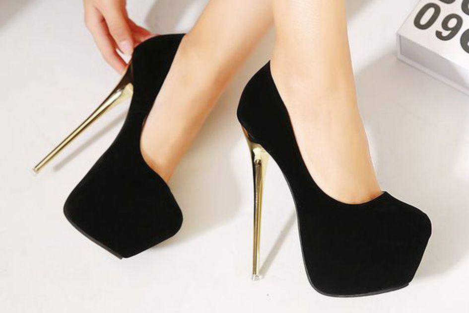 Pin de Isabele Silva em Calçado em 2020 | Sapatos, Sandalia