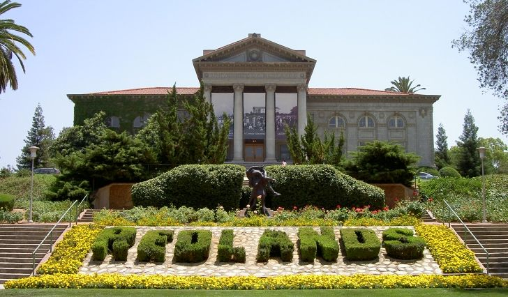 Admin Building Of The University Of Redlands Http Www Payscale Com Research Us School University Of Redla University Of Redlands Redlands Redlands California