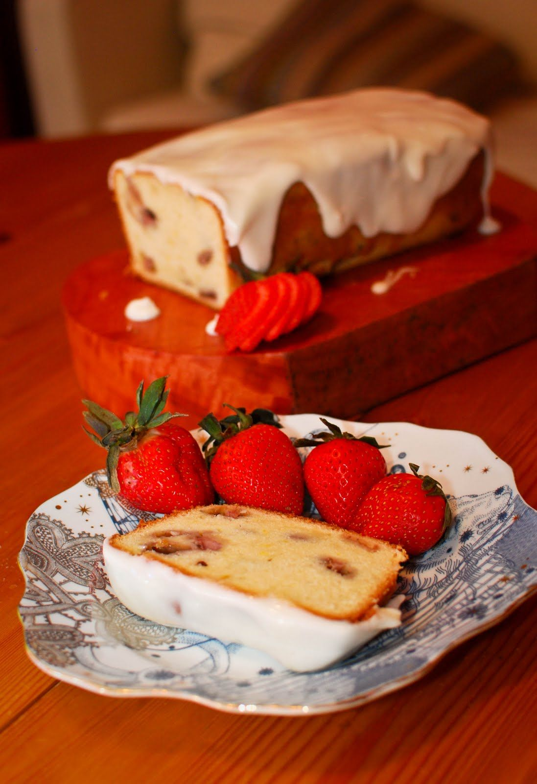 strawberry pound cake cream cheese