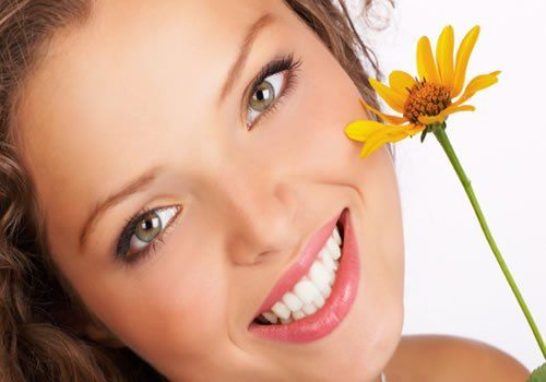 Simple Natural Ways To Rejuvenate Your Skin at Home