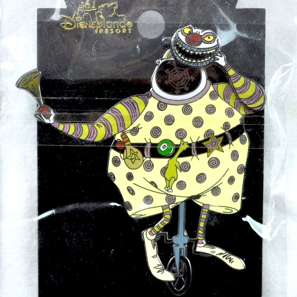 Nightmare Before Christmas Clown With A Tear Away Face.Nightmare Before Christmas Clown Disney Pin Articulated Tear