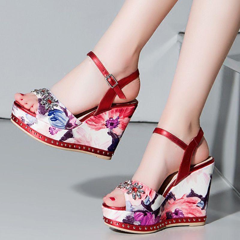 488e251ceefc Shoespie Classy Floral Print Wedge Sandals