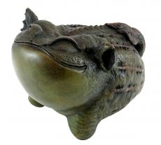 Funny Chinese Bronze sculpture frog - Toad - signed by Milo | 399,00 EUR | This Chinese giant toad is a funny home accessory for inside and outside.