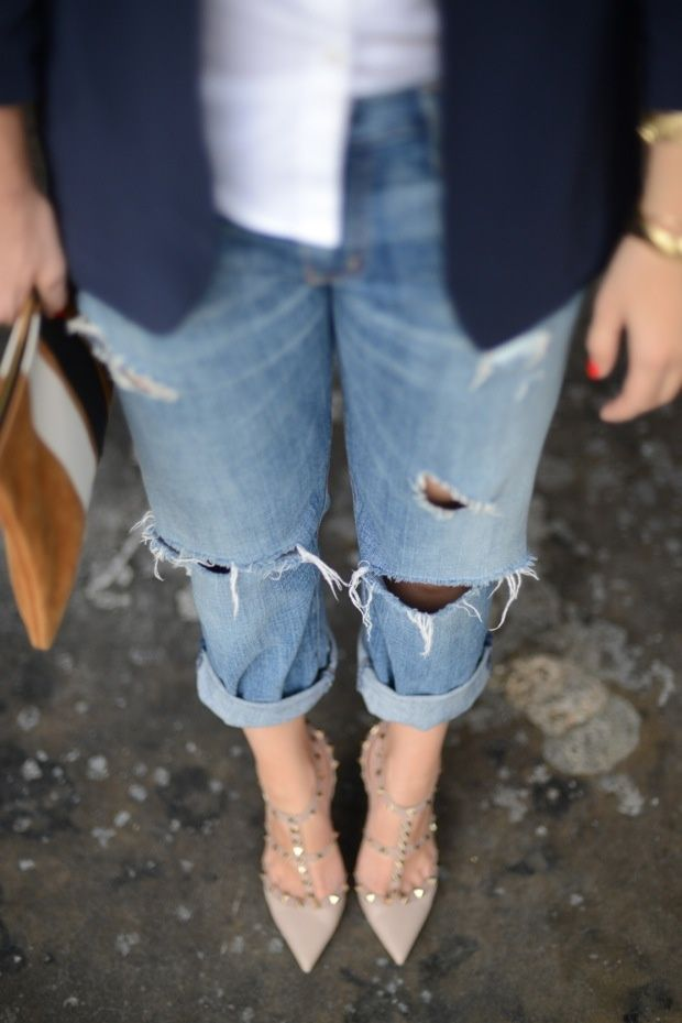 boyfriend jeans and studded pumps