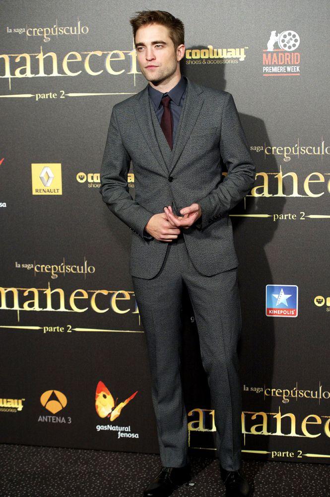 Robert Pattinson wearing dolcegabbana to the Premiere of