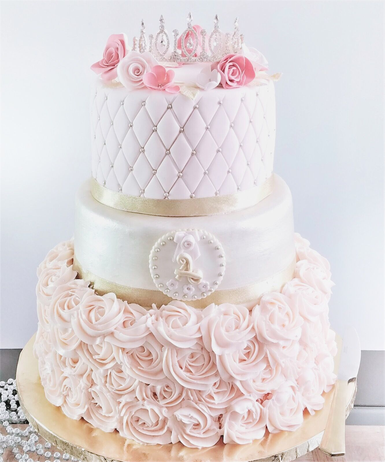 Amazing A Pretty Princess 3 Tier Strawberry And Chocolate Cake Iced With Funny Birthday Cards Online Chimdamsfinfo