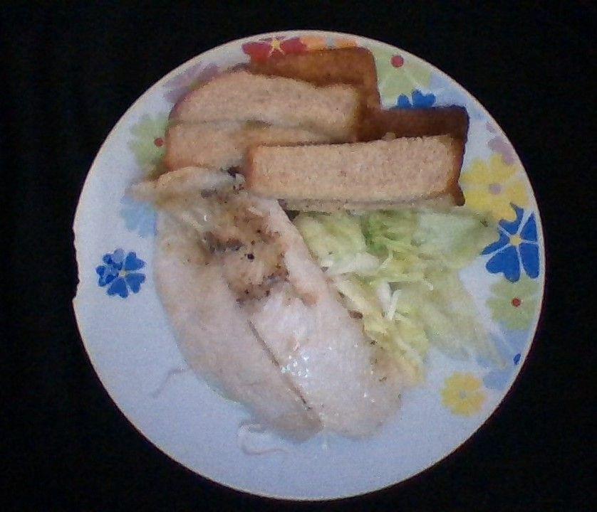 Le ensalada sacia y no contiene casi calorias! acompañada de pescado.. maravilloso