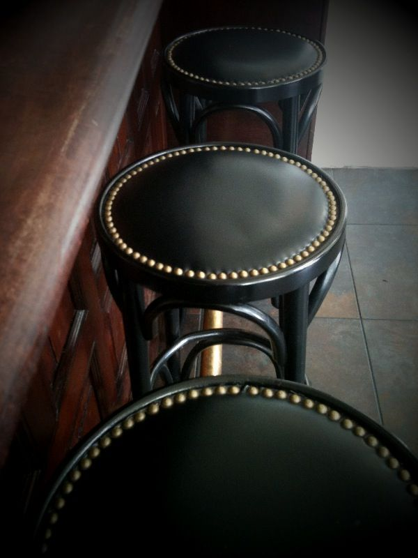 Nailhead Bar Stool Simple Painted Bentwood Stools With Leather Or Pleather Seats Rimmed With Nailheads Doable Leather Bar Stools Bar Stools Cool Bar Stools