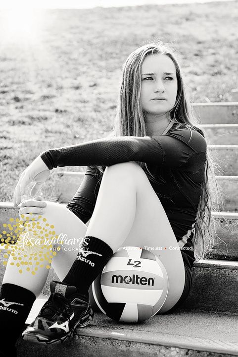 Lisa Williams Photography Specializing In Senior Portraits Grass Valley Photographer Vo Volleyball Senior Pictures Volleyball Photography Volleyball Photos