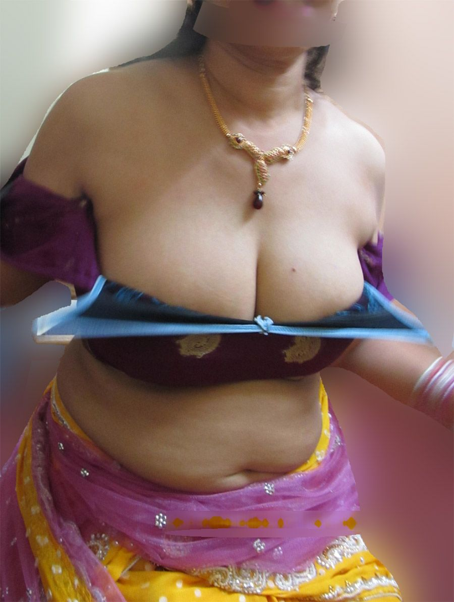 Aunties big boobs photos