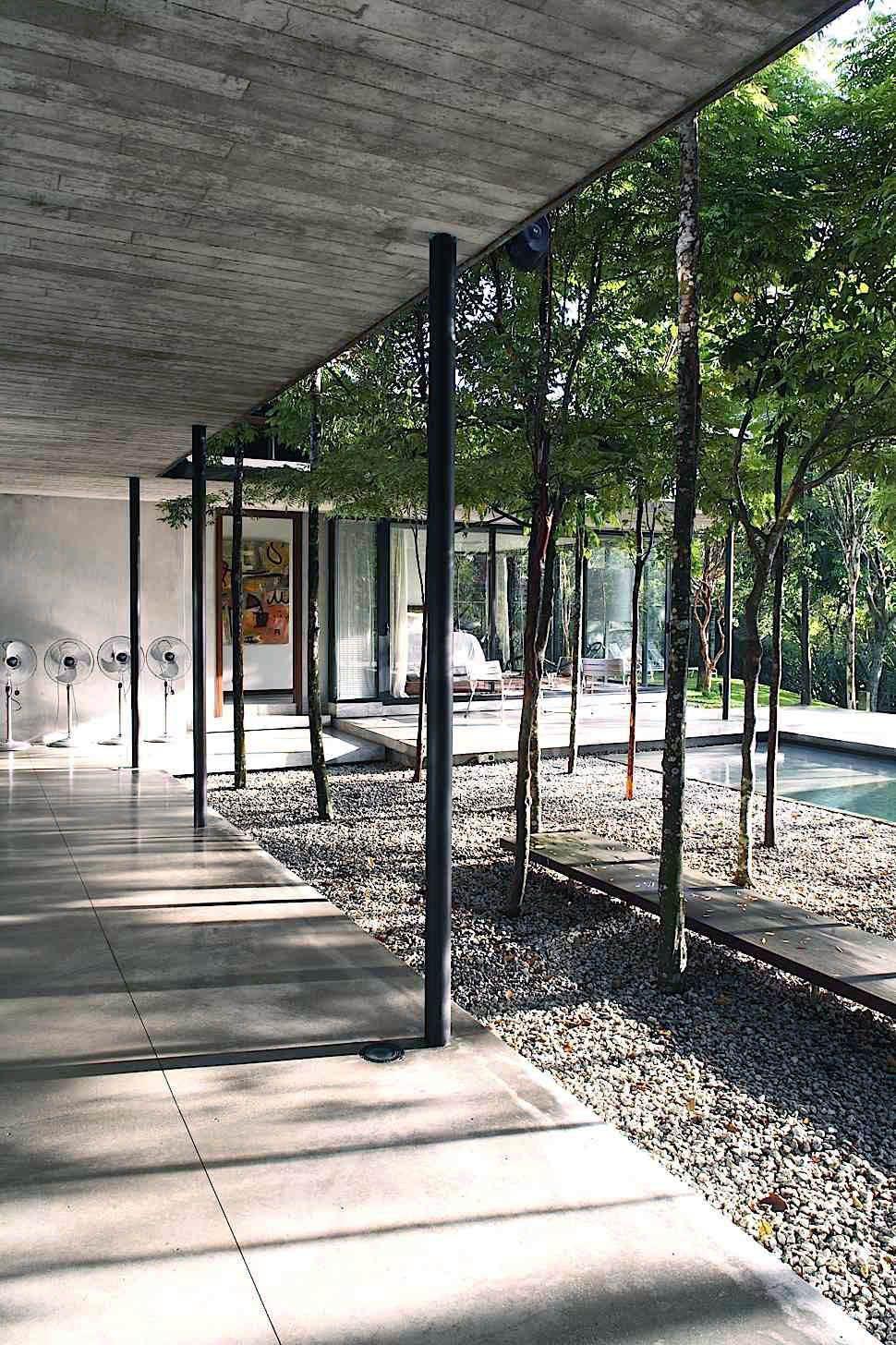 20 Various Ways To Design Your Backyard With An Outdoor
