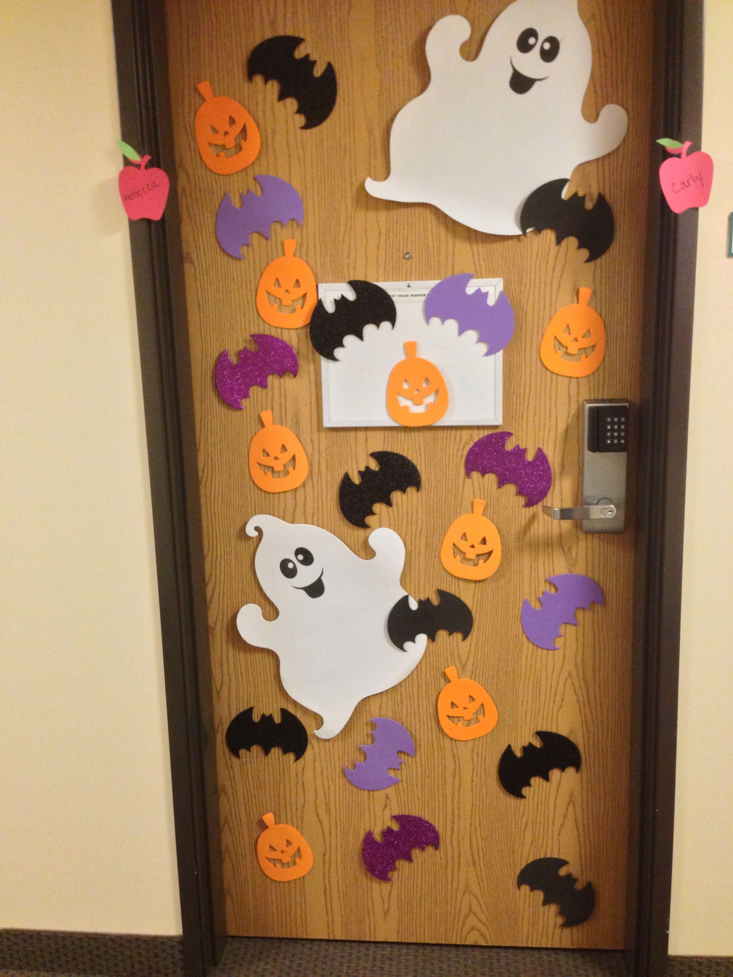 Pin By Becca Dayton On College Halloween Classroom Decorations Halloween Dorm Halloween Door Decorations