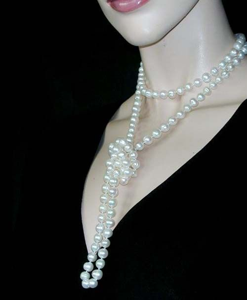 b5c69ef7e how to wear pearls casually | For a modern look sling two rows of pearls  slung over one shoulder.