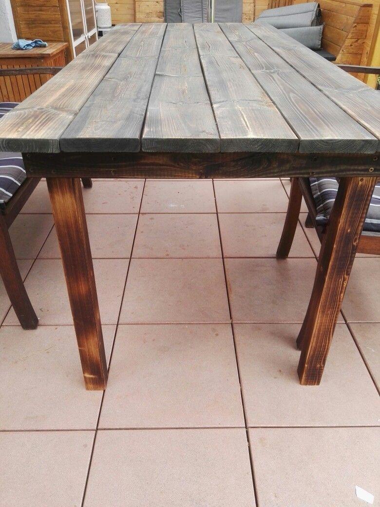 Tisch aus Terrassendielen Gebrannt und geschliffen