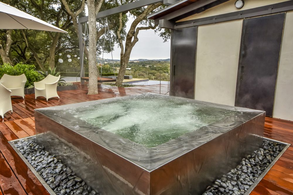 infinity edge stainless steel spa with