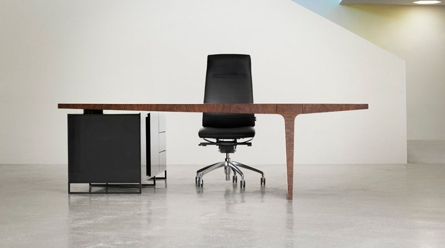 level desk collection designed by gabriel teixido for ag land 14
