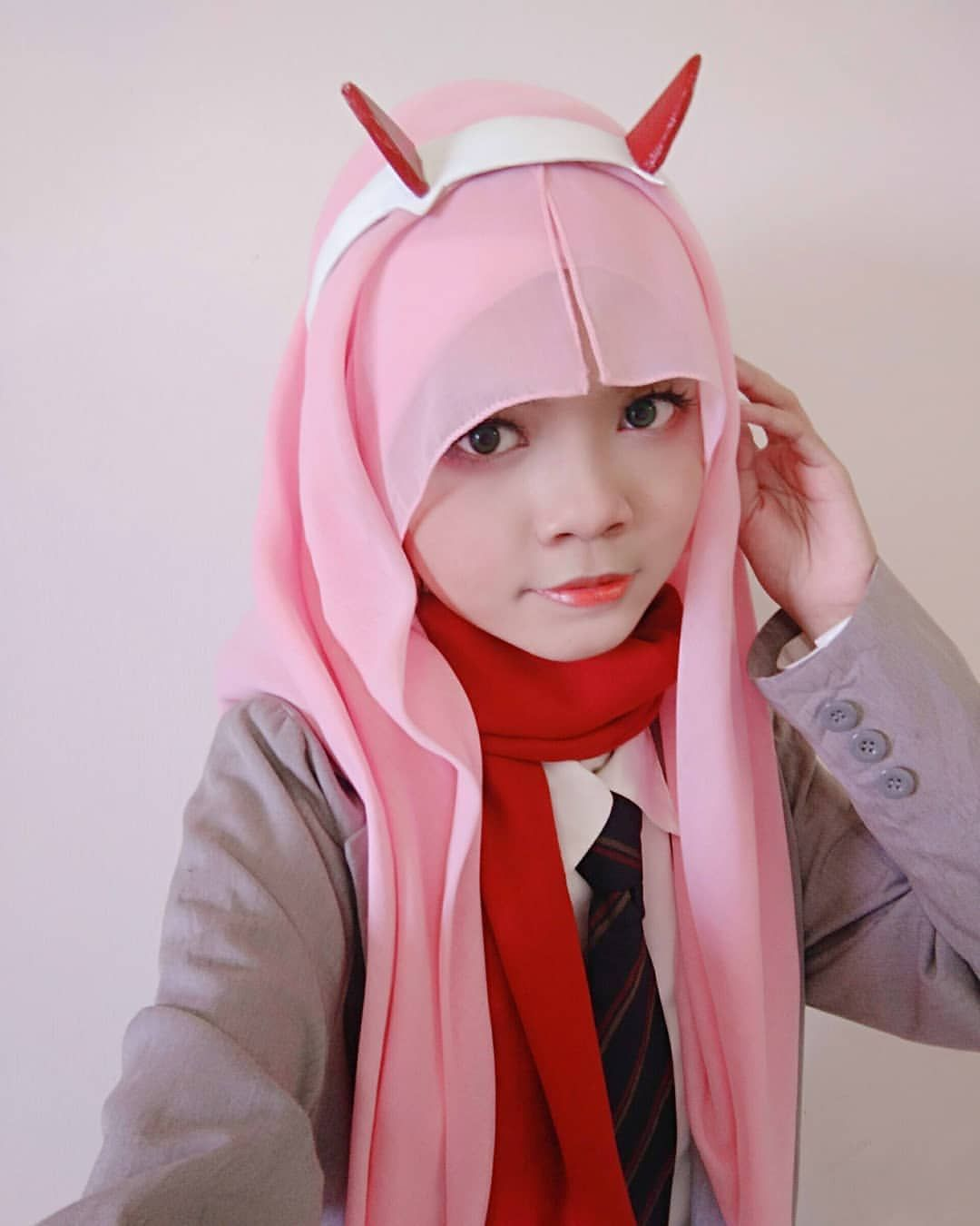 Ai Nurul Ai Nurul I Almost Forgot About This I M Cosplaying As Zero Two From Anime Darling In The Franxx In Hijab Style S Cute Cosplay Cosplay Zero Two