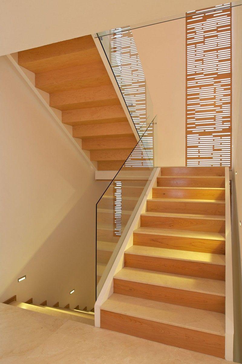 Casa Natalia by Agraz Arquitectos   Staircase window, Modern ...