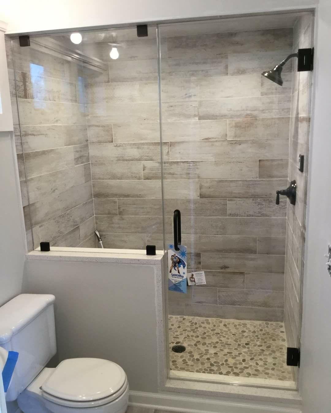 Simple Tile Shower Idee Salle De Bain Deco Salle De Bain Toilette Salle De Bains En Marbre Moderne