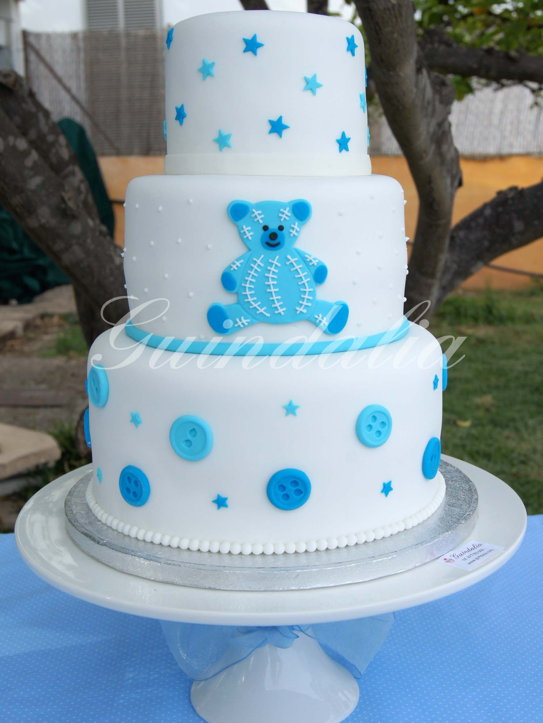 Tarta De Tres Pisos Con Detalle Osito Para Bautizo Cake Holidays And Events Desserts