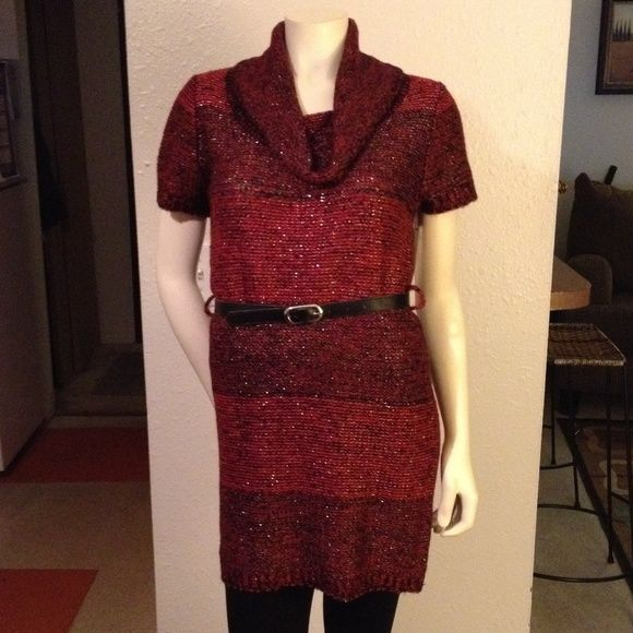 Tunic red and black pullover sweater. Red/black with silver glitter. Notations Dresses