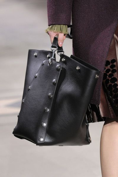 f27aa74b71ee Mulberry at London Fashion Week Fall 2016 - Livingly