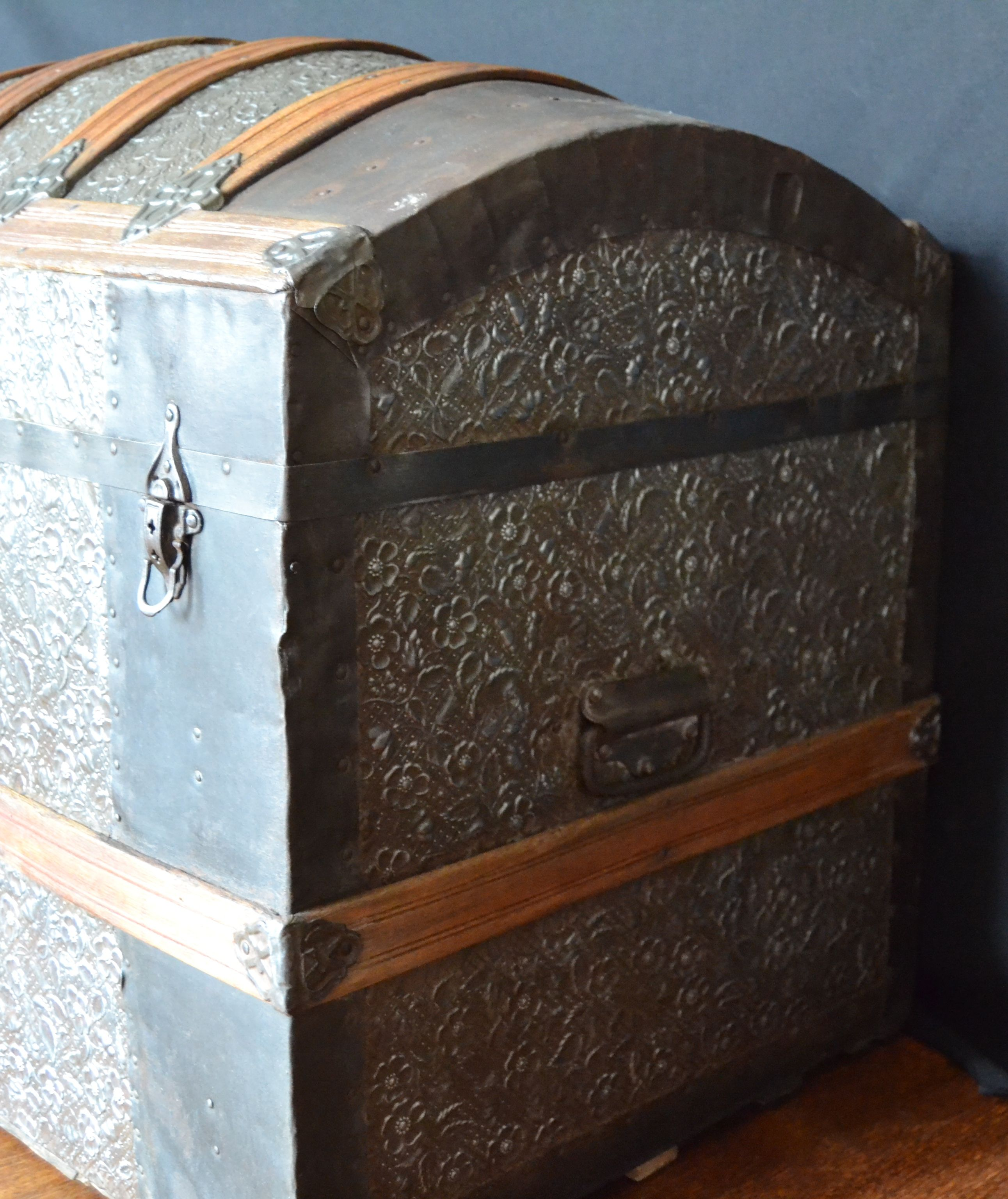 Taller de restauraci n lila ba l antiguo restaurado - Restaurar baules antiguos ...