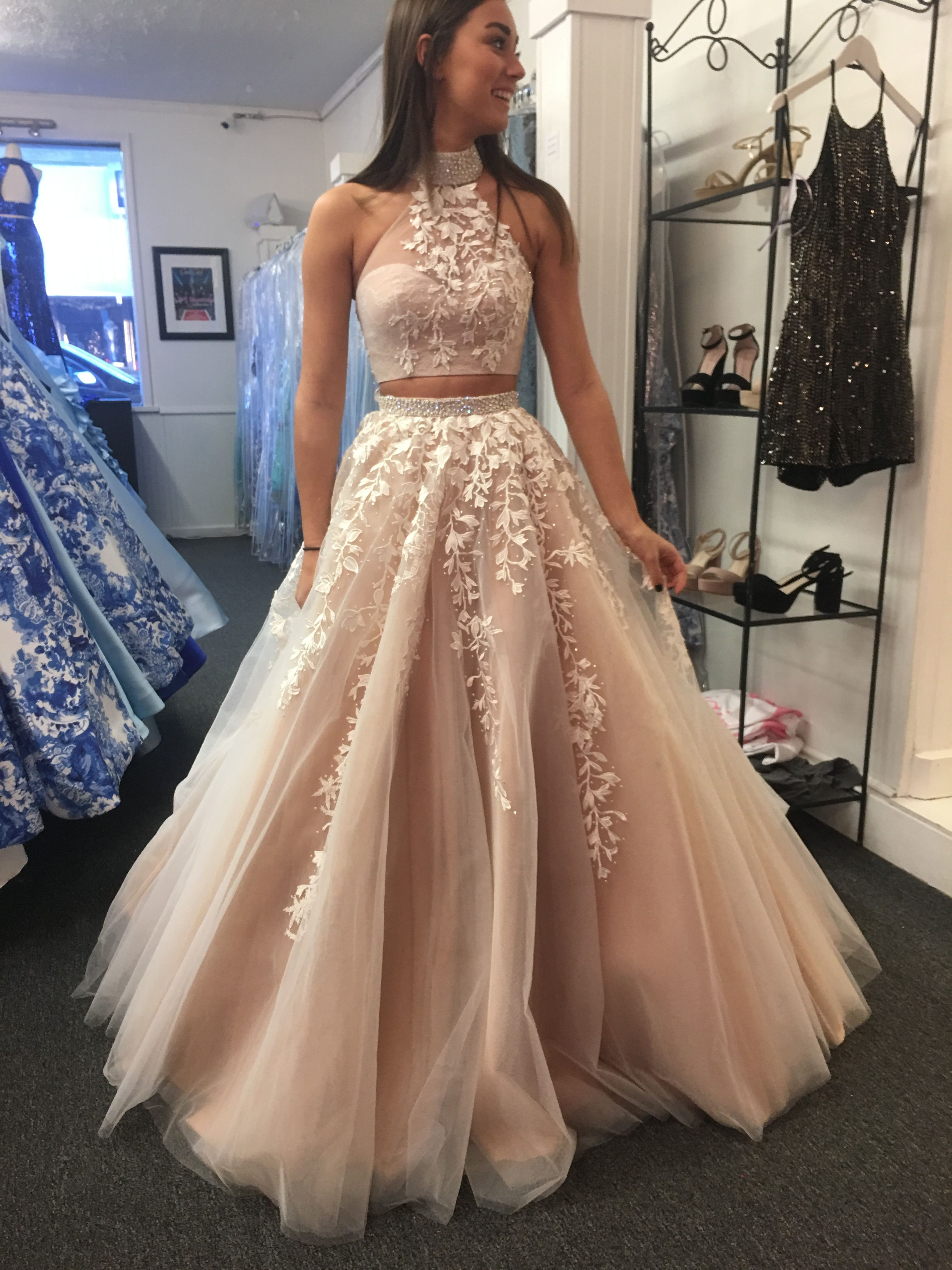 Pin By Chloe Keith On Prom Prom Prom Prom Piece Prom Dress Lace Evening Dresses Cute Prom Dresses [ 4032 x 3024 Pixel ]