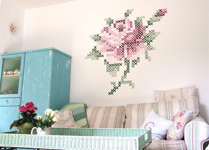 Pintura em Ponto cruz na parede