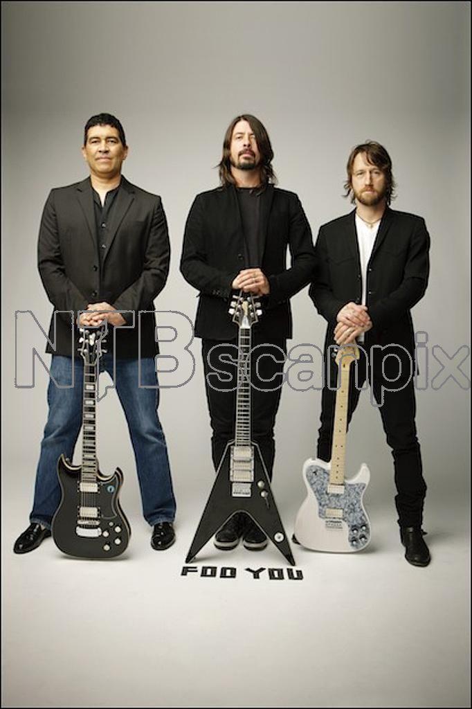 Foo Fighters Source / RU — Photographer: Ari Michelson.