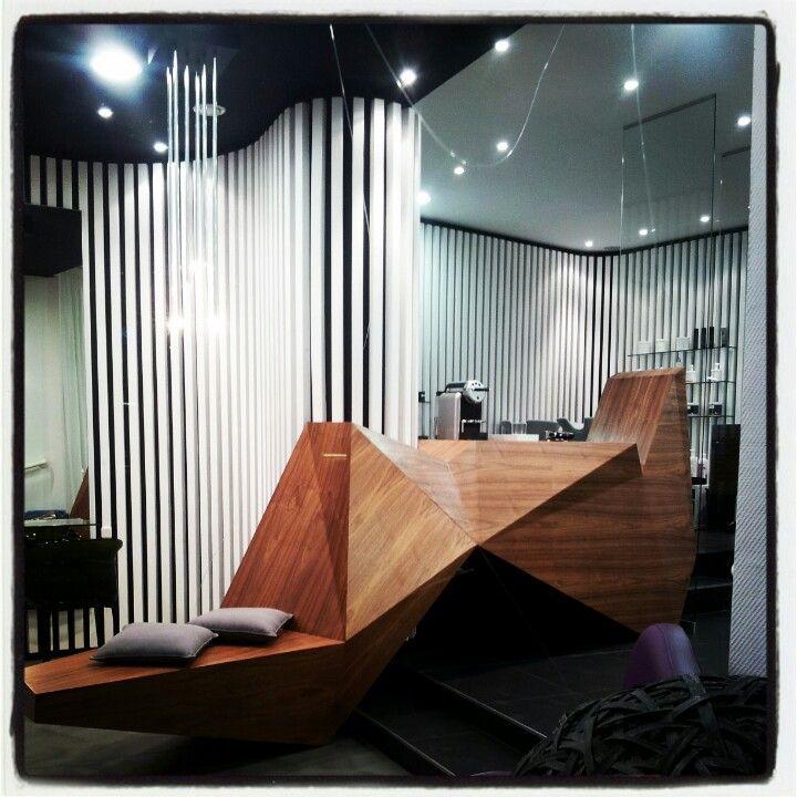 Le Salon Qui Parle Coiffeur Nantes France Cafe Design Retail Design Interior Design