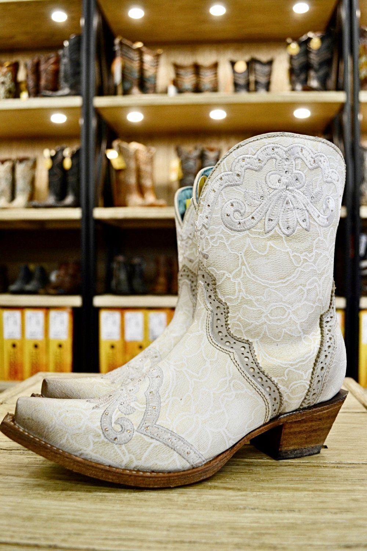 28+ Wedding cowboy boots for bride ideas