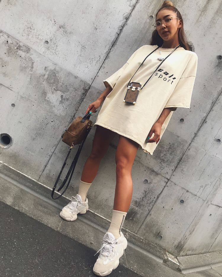 Pin by JA$🦋 on ONNASLAY!   Yeezy outfit