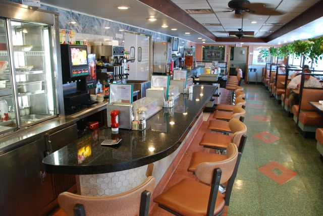 Newton Diner Interior 5 Oaklyn Nj Us 30 2010 8
