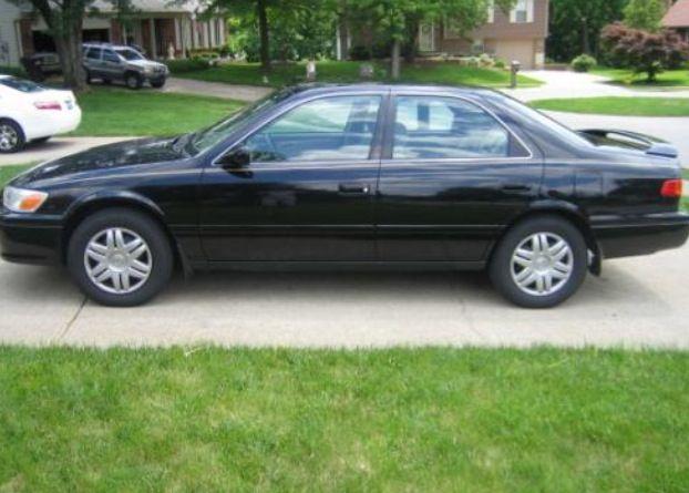 Black 2001 Toyota Camry LE U003c3