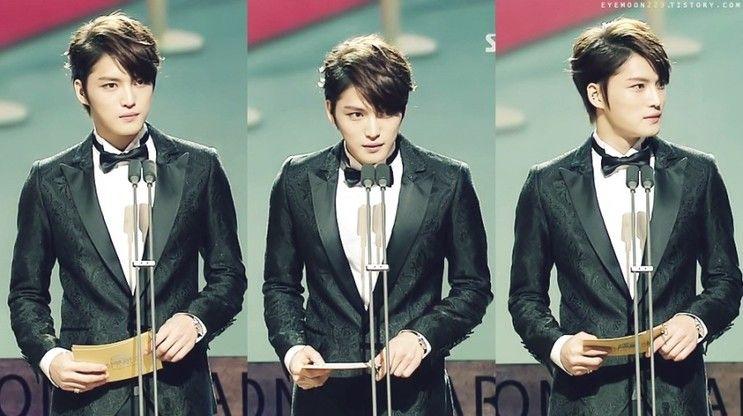 *Jaejoong at Blue Dragon Awards*