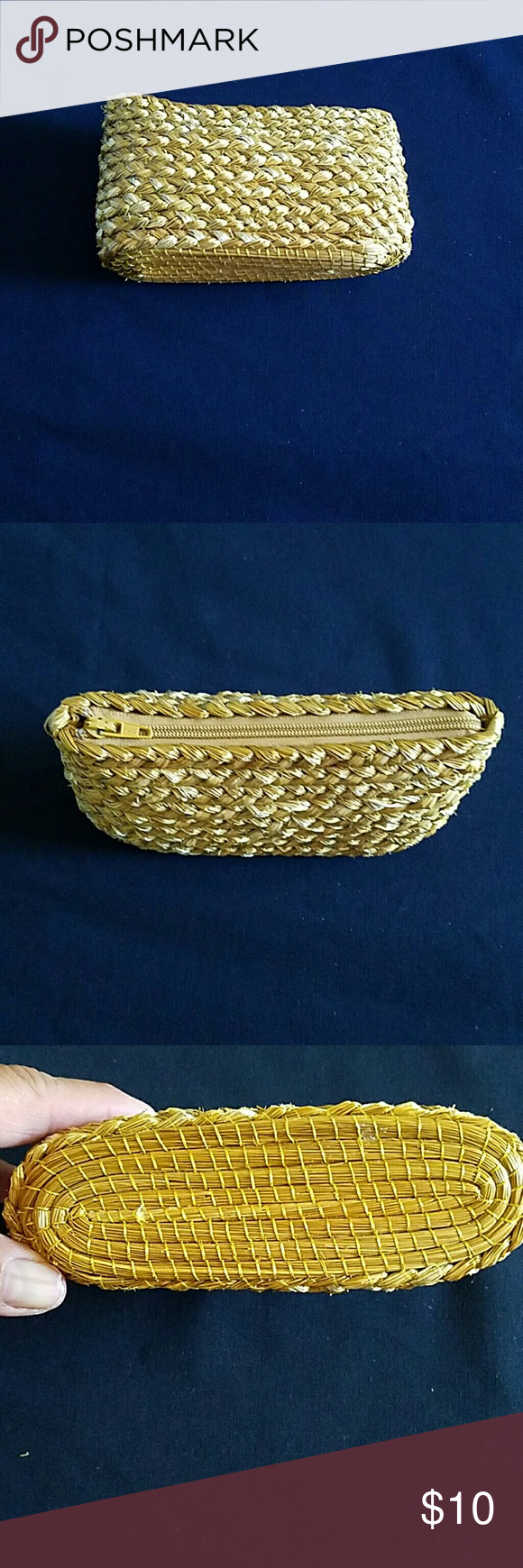 """Adorable woven straw change purse This adorable straw change or knick knack purse is woven very solidly and it stands up alone. It zips for easy access. Dimensions are 6""""wide 3.5"""" high. All measurements are approximate and taken flat.  From a smoke free and pet free home. Would make a cute and unique item for you or a friend as a gift! Bags"""