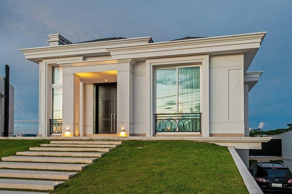Fachadas de casas com estilo neocl ssico veja modelos for Casa moderna classica