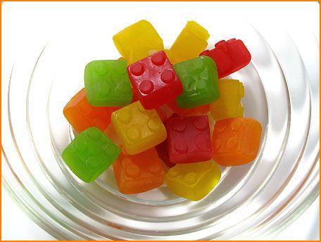 Lego Gummi (LEGO Fun Snacks) & Ramune Candy bricks / Lego Gummi (LEGO Fun Snacks) - Let's LEGO / legomic