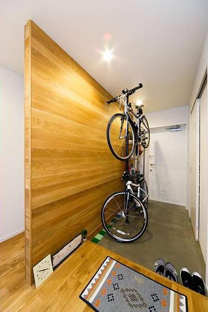 土間、玄関、無垢材、板張り、自転車、収納、ディスプレイ、マンションリノベーション インテリア【2019