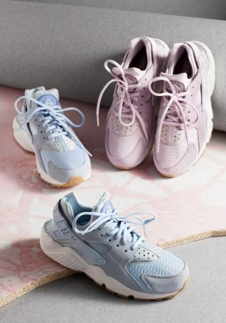 new style c0ecc edefb Other Stories   Nike Air Huarache Run   Pink