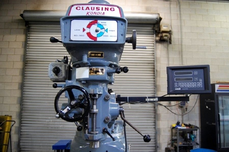 CLAUSING KONDIA FV-1 VERTICAL MILL - 2-Axis DRO, Collets