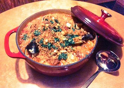 Spanish shellfish stew 4 kinds of shellfish yum entres recipes forumfinder Image collections
