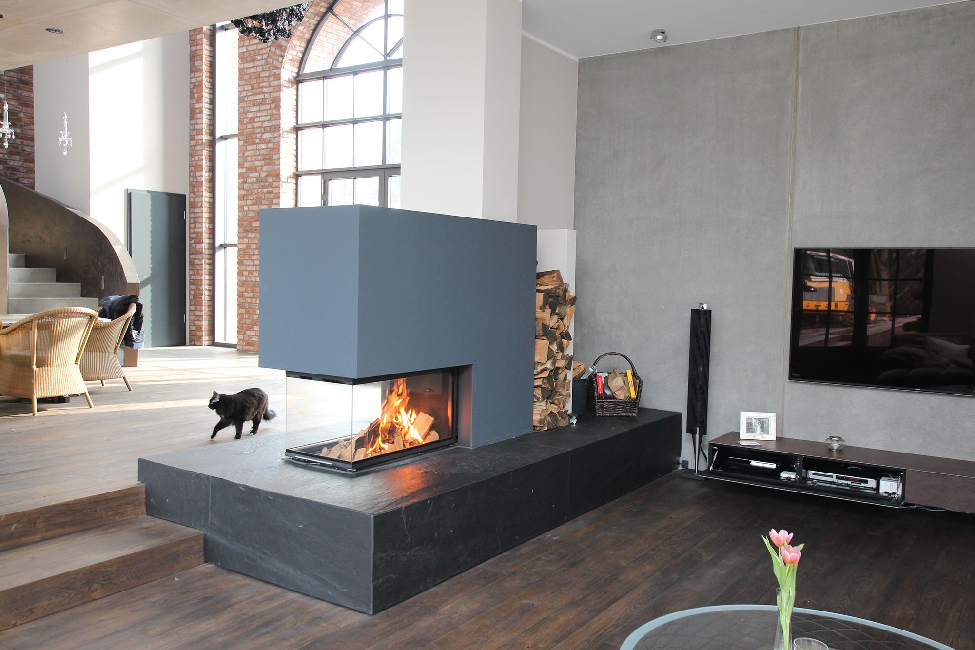 Moderne Kamine Feuertisch Tunnelkamin Dreiseitiger Kamin Marmor