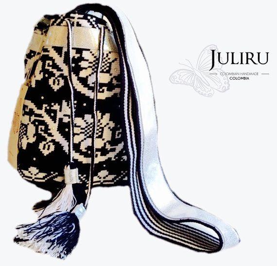 Mochila Wayuu by JuliruAccessories on Etsy